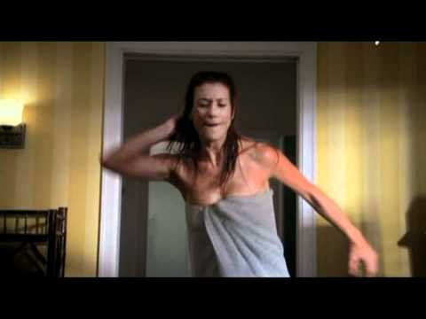 Addison balla in accappatoio.mpg