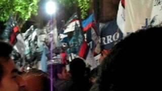 281010 Murió Néstor Kirchner  Apoyo Popular En La Plaza De Mayo  2
