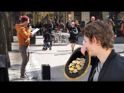 你相信這個法國小伙在街上唱中文歌賺了這麼多錢嘛?