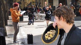 你相信这个法国小伙在街上唱中文歌赚了这么多钱嘛?