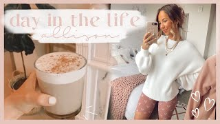 DAY IN THE LIFE | Job Update, Quarantine Bucket List, & Cook With Me! ✨