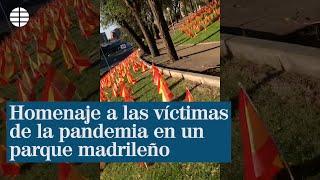 Homenaje a las víctimas de la pandemia en un parque madrileño junto a la M-30