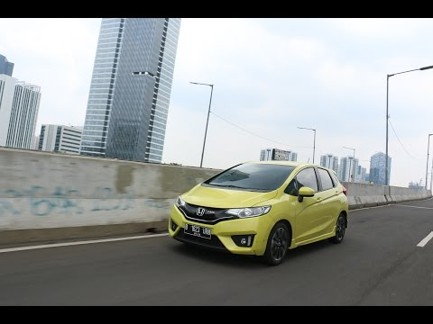 Review Honda Jazz RS CVT | Oto.com