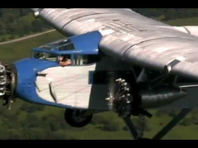 EAA's Ford Tri-Motor visits C77