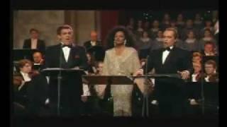 圣善夜 (多明戈, 卡莱拉斯, 黛安娜·罗斯) Carreras, Domingo & Diana Ross - O Holy Night