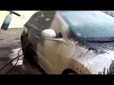 Come lavare correttamente l'auto senza graffiarla - Parte 3 - Prelavaggio