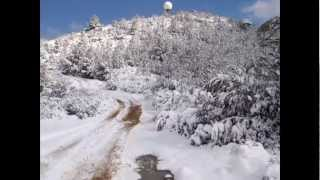 preview picture of video 'Ascensión al Puig d'Agulles con raquetas de nieve. Nevada 23 de febrero de 2013'