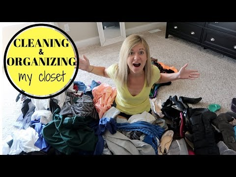 CLEANING & ORGANIZING MY CLOSET | EASY & SIMPLE TIPS TO DECLUTTER & ORGANIZE | CLEAN WITH ME 2017