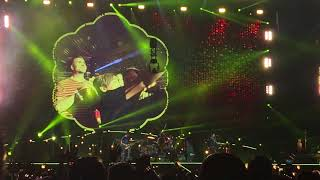 Coldplay - Yellow - A Head Full Of Dreams Tour - 2017-08-12 - US Bank Stadium, Minneapolis