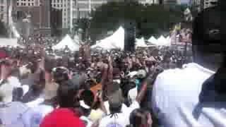 Barack Obama sings Aretha Franklin