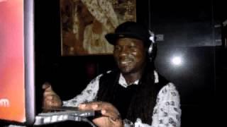 Cocoanut  dj tabs chauke ft organised family Zambia