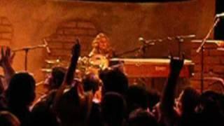 The Donnas - Rock N Roll Machine