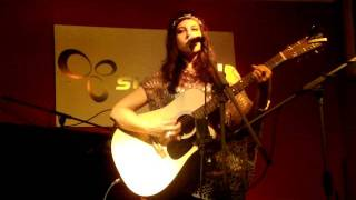 Everybody knows -Terra Naomi live