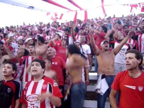 """""""Vamos chacarerooo vamos a ganar!!! LOS LEONES DEL ESTE"""" Barra: Los Leones del Este • Club: San Martín de Mendoza"""