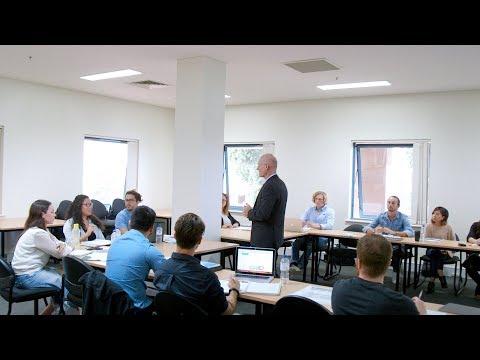 Bond University | Mídias Sociais