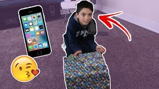 Surprising my BROTHER with an IPHONE SE!!!!!!! (EMOTIONAL)