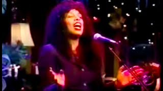 The Christmas Song - Donna Summer ( Chestnuts Roasting On An Open Fire  )