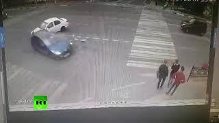 Видео жуткого наезда на подростков в Домодедово