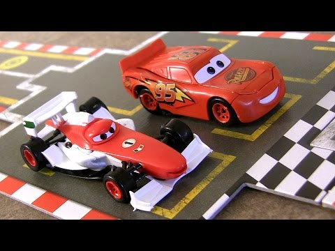 Disney Pixar Cars 2 Racing Starter Game Set