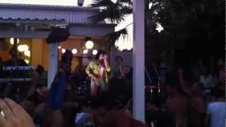 Eisai magkas rei by Tonis Sfinos @ Thalassa beach bar, Agiokampos