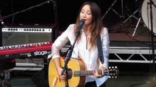 KT Tunstall - Waiting on the Heart - Gawsworth Hall 19-7-2013
