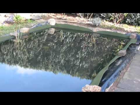 Gartenteich - Teichfolie schützen.