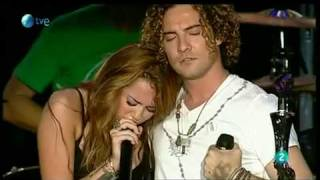 Miley Cyrus Feat David Bisbal -When I Look At You-Rock In Rio Madrid Live