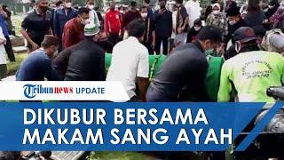 Jenazah Markis Kido Dikebumikan, Ditumpangkan dengan Makam sang Ayah di TPU Kebon Nanas