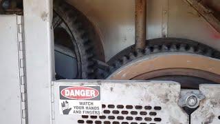 What's inside an old crane | Inside an old friction crane | crane (machine)