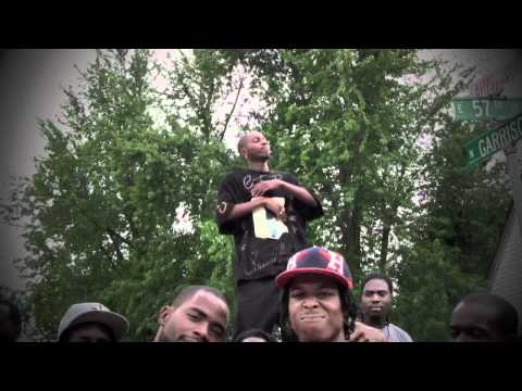 UKKIT NATION ft GAS GUZZLA-HYPHY 4 REAL