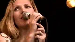 Saint Etienne nothing can stop us now at bestival2