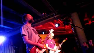 "Built to Spill playing ""I Would Hurt a Fly"" [Perfect from Now On]"