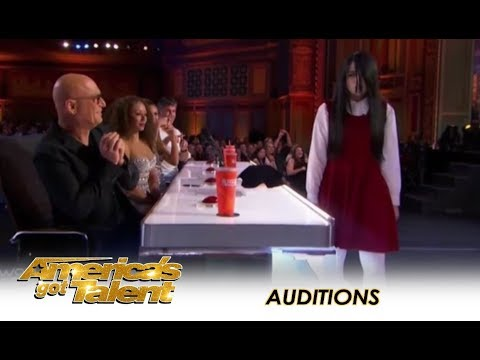 Sacred Riana: Famous CREEPY Girl Magician Comes To America! | America's Got Talent 2018 (видео)