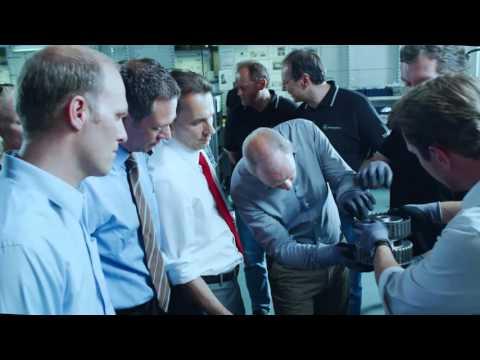 Фото к видео: Mercedes-Benz / Daimler 9-G-Tronic NAG3 Automatikgetriebe Werbefilm