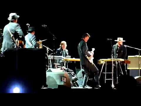 Bob Dylan Thunder On The Mountain  Live 2010