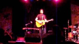 "Ari Hest - ""The Weight"" live in Felton, CA"