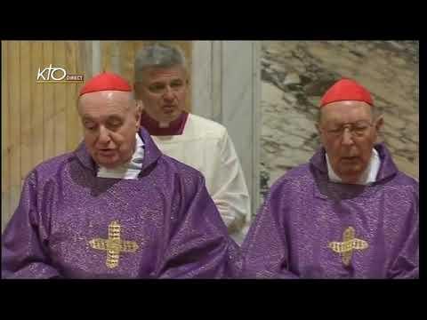 Messe dans la paroisse Sainte-Anne du Vatican