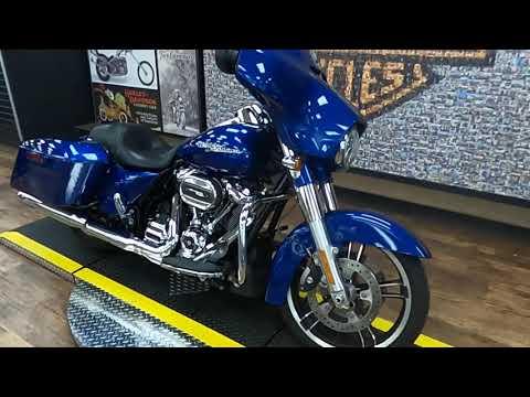 2017 Harley-Davidson Street Glide Special FLHX