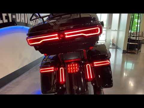 2021 Harley-Davidson<sup>®</sup> Road Glide<sup>®</sup> Limited FLTRK