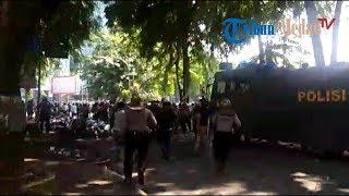 Bentrok Massa Pro dan Kontra Jokowi Meluas, Polisi Mulai Tangkapi Demonstran