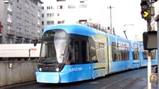 preview picture of video 'Linz Straßenbahn Route 1 - Universität to Auwiesen'