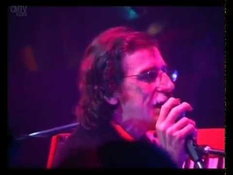 Charly García video I m not in love - Roxy - Mar del Plata 2002