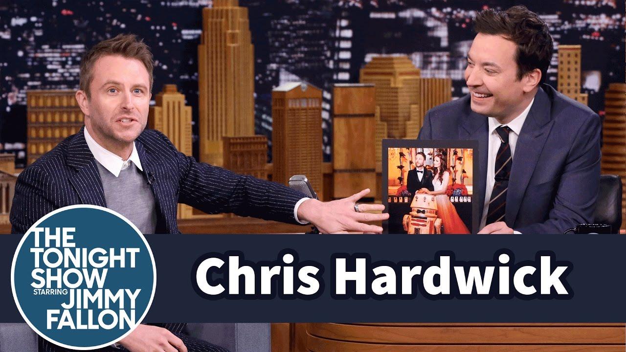 Chris Hardwick Wrestled Star Wars Jawas at His Wedding thumbnail
