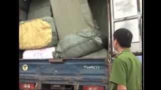 Bóc gỡ tụ điểm buôn lậu, thu giữ 100 tấn hàng vi phạm