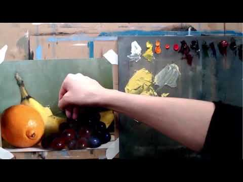 This is an excerpt from a video tutorial about mixing color and painting a still life.