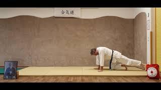 Mae-Ukemi (Vorwärtsrolle) kniend