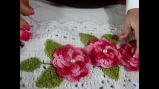 Como fazer aplicação de flores e folhas em trabalhos de crochê