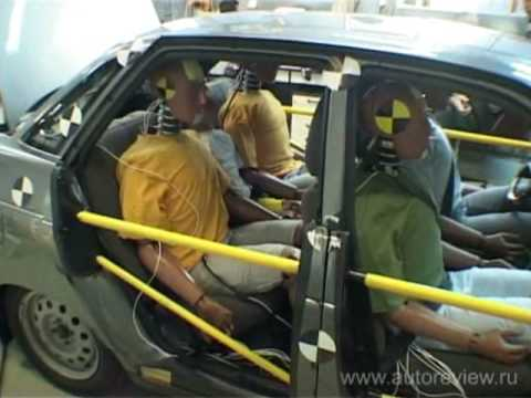 Обязательно ли пристегиваться пассажирам 1