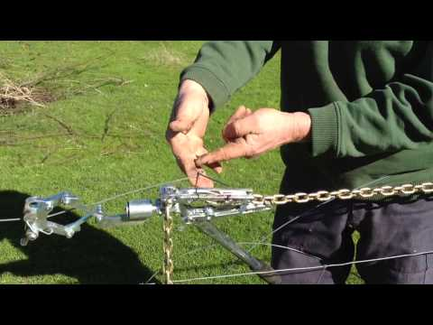 How to tie a Figure 8 knot under tension