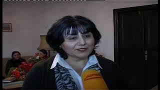 Stelvetreterin des deutsche Botschafts, Frau gabriel zum Gast in GDZ Geschänke übergabe